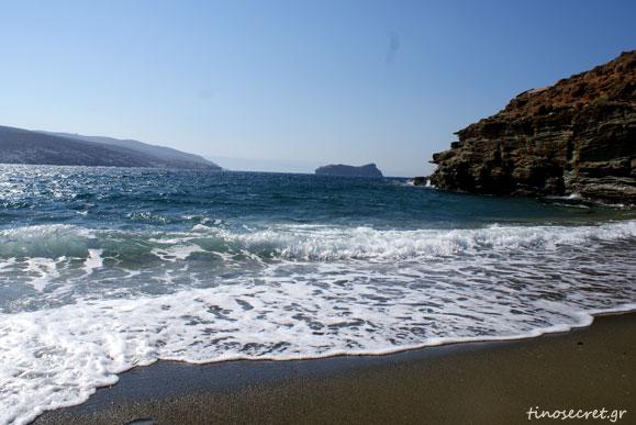 APOTHIKES BEACH TINOS